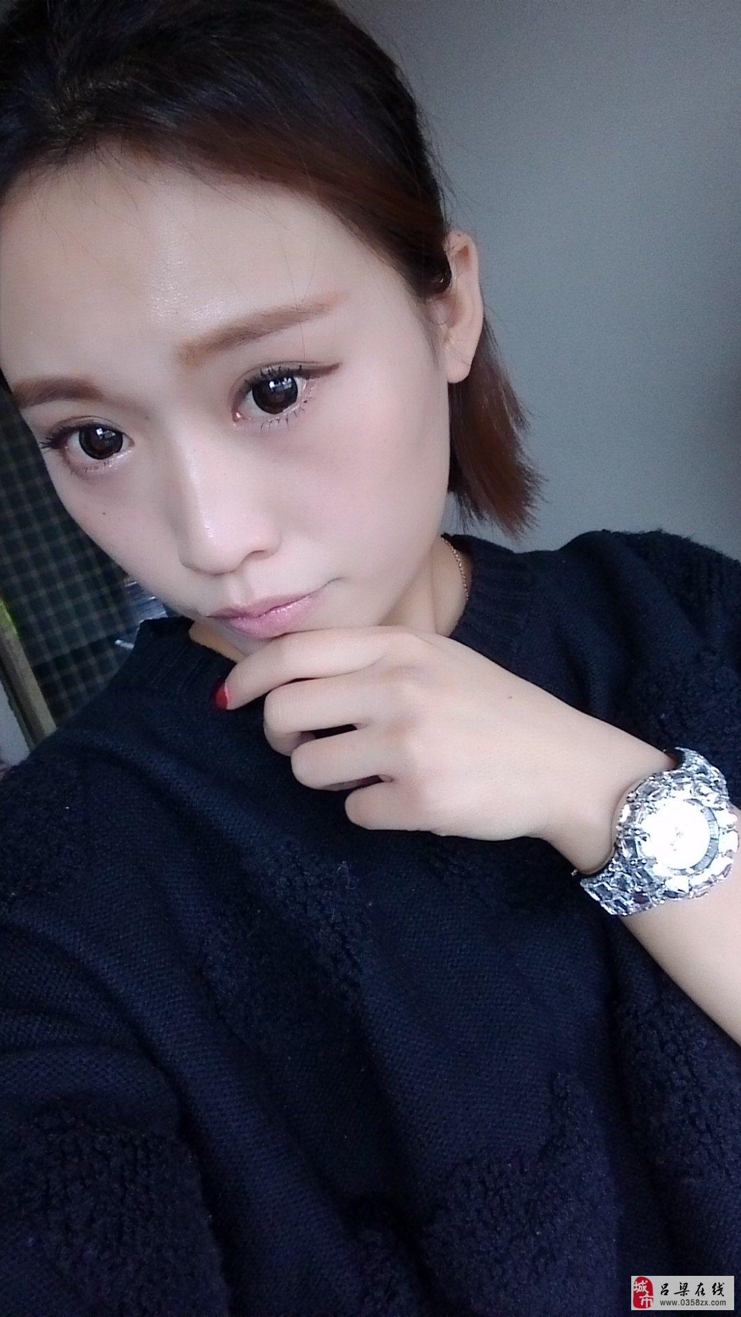 【美女秀场】李慧 25岁 天蝎座 理发店老板