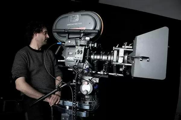 电影后期制作都使用哪些专业设备?