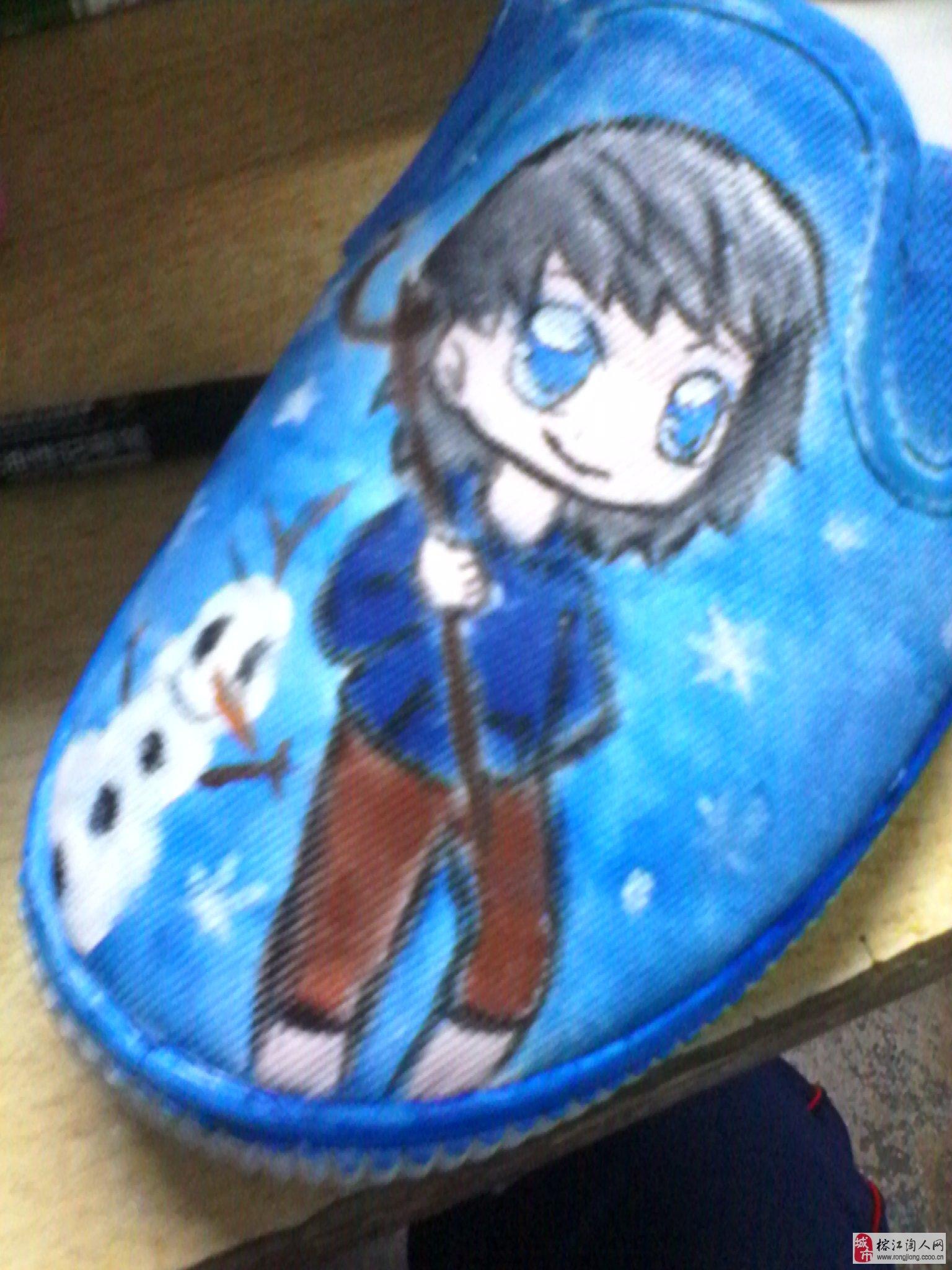 自己手绘的帆布鞋^-^《冰雪奇缘》的艾莎和《守护者