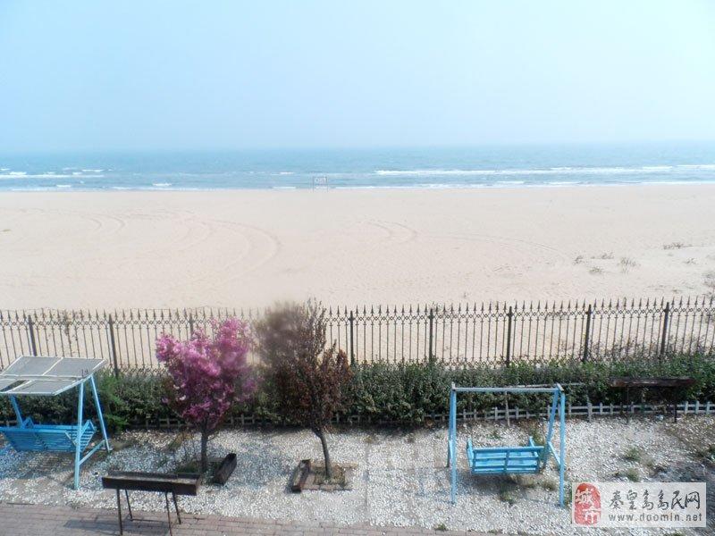 北戴河海洋花园别墅——-出门五米海滩.