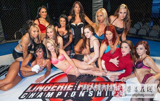 美国举办内衣摔角赛众美女香艳肉搏图片