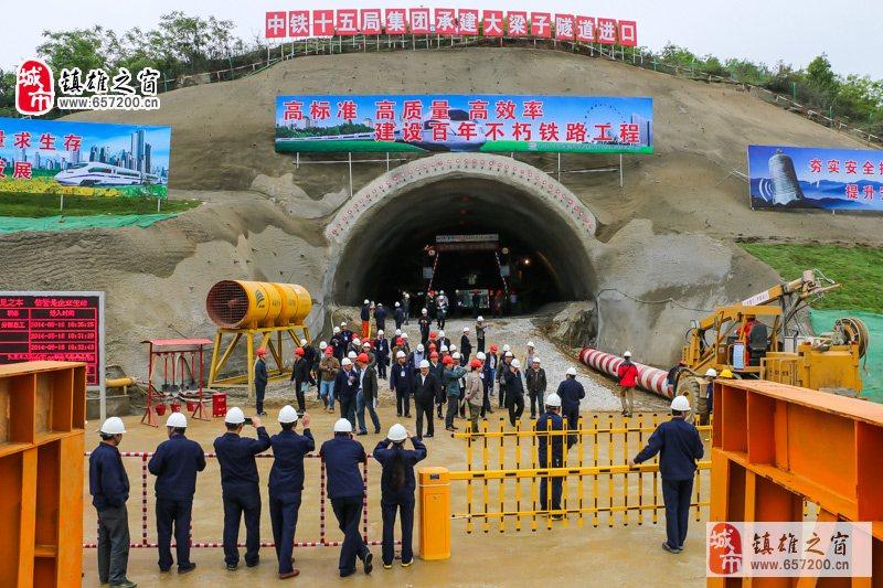 2014年成贵铁路最新消息(镇雄铁路是其中的一部分)