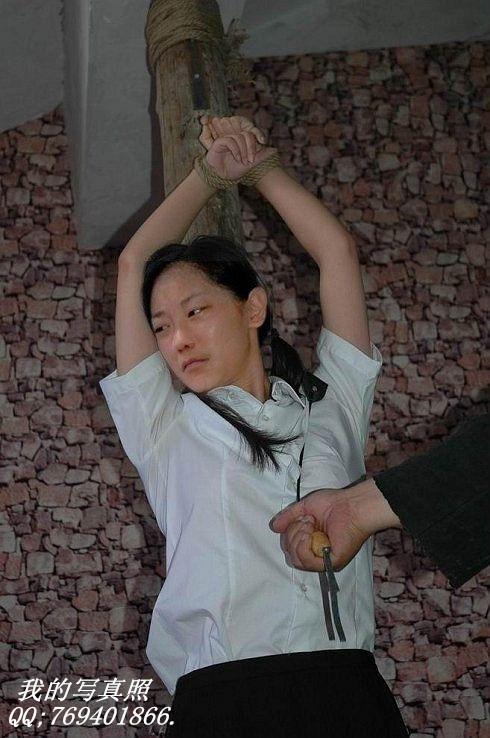 陆金凤刑前照片_死囚决照片_决美女死囚_决女死囚现场-007鞋网