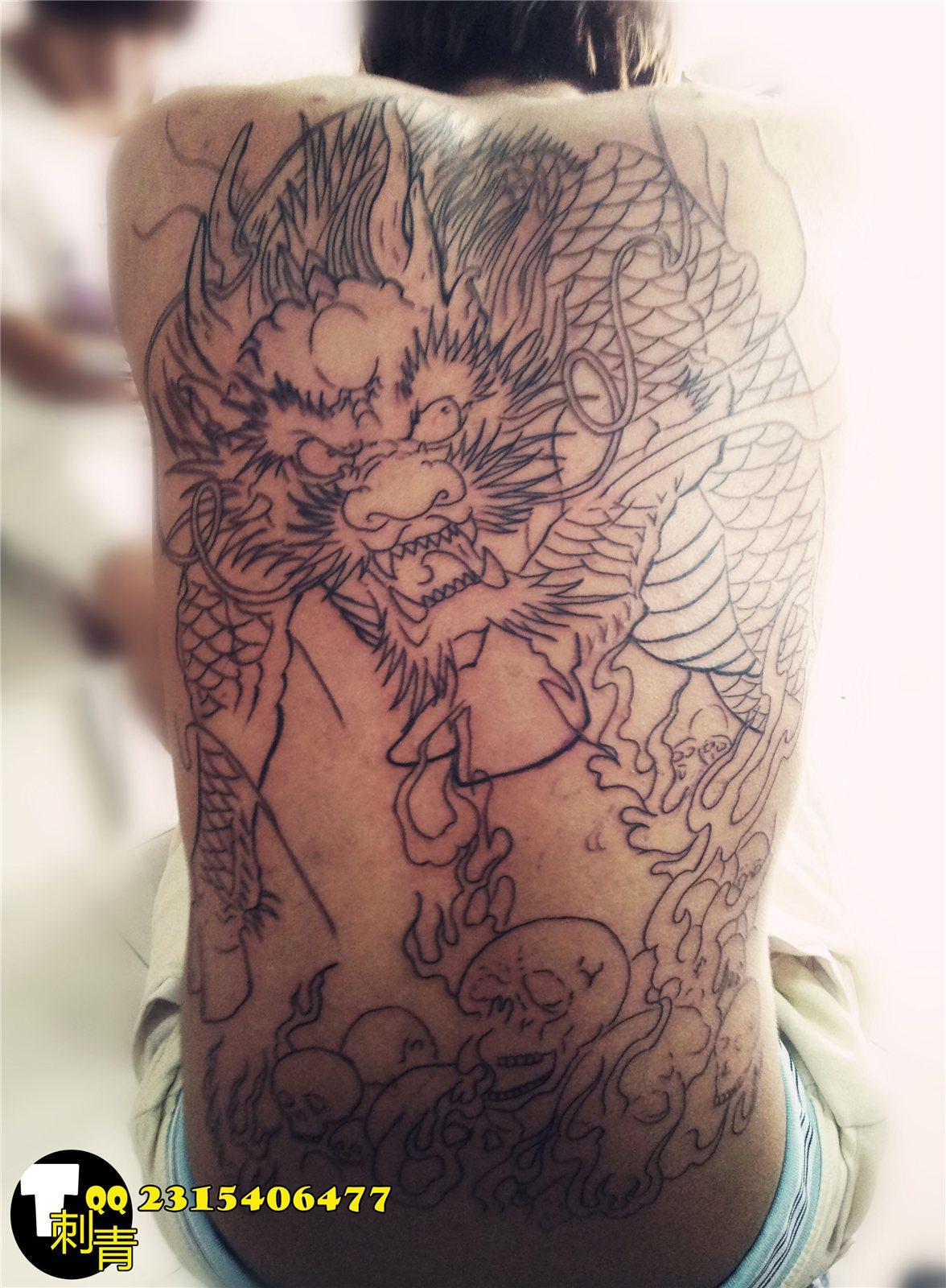 后背线条纹身图案 招财纹身图案