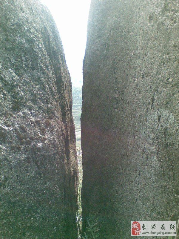 《广德境内原生态风景区探索发现之一——四合响水滩瀑布篇》