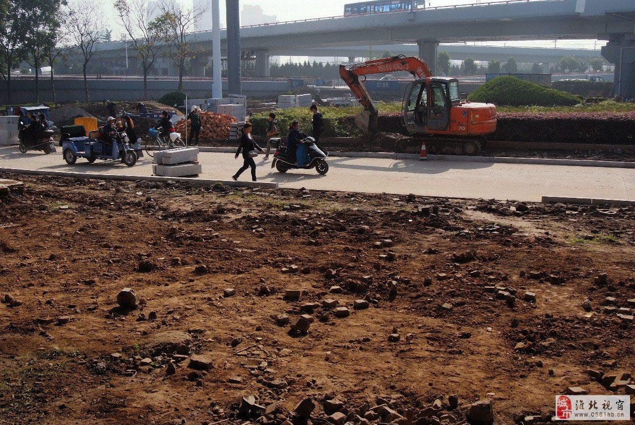 淮北立交桥下绿化改造不完工、淮北文明创业就很难实现!