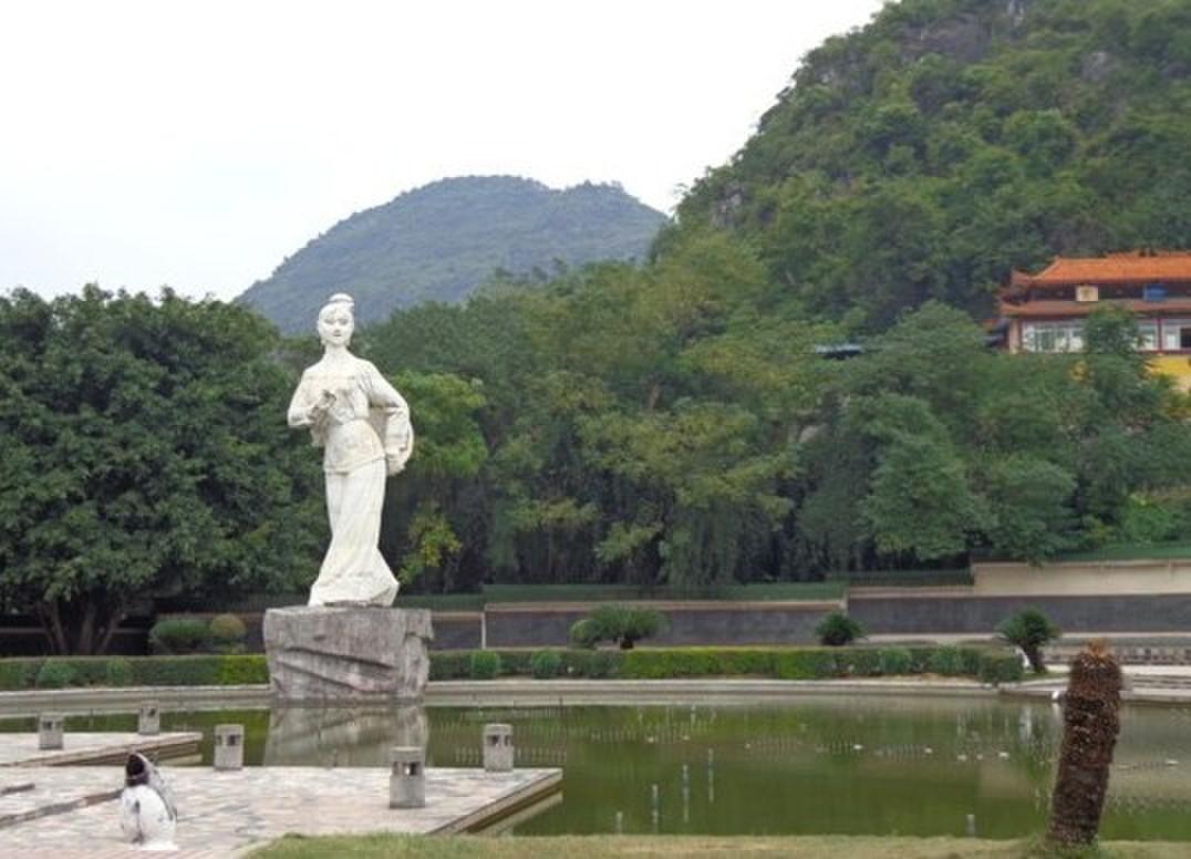 宜州动漫风景钢笔画