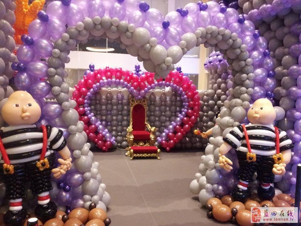 2014年国外气球艺术展-爱丽丝仙游记