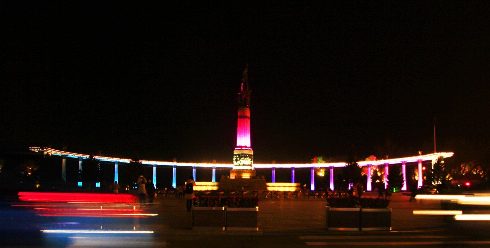 夜拍哈尔滨防洪纪念塔