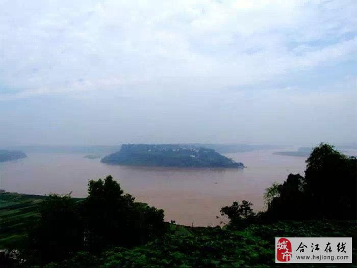 """""""老泸州""""地在合江县焦滩乡境内神臂山上,距合江县城30公里."""