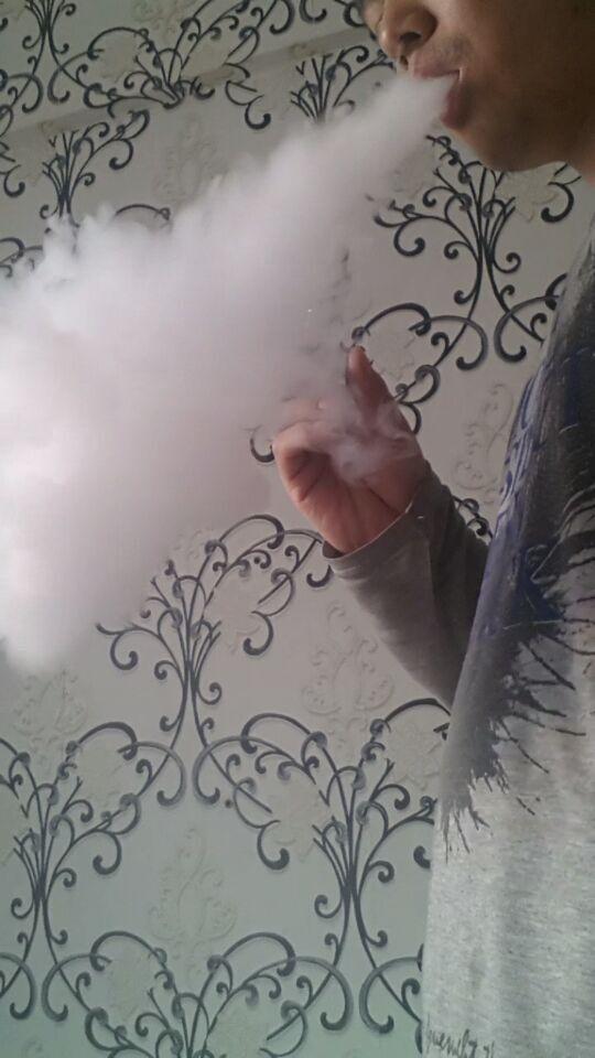 哈尔滨电子烟雷神之锤超大烟雾电子烟
