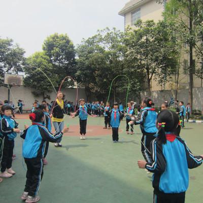 夹江/夹江外校形式多样、丰富多彩的阳光体育活动给来宾们留下了深刻...