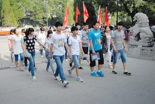 八千余名考生参加中考_青州热点资讯