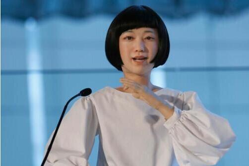 首位机器人美女主播亮相