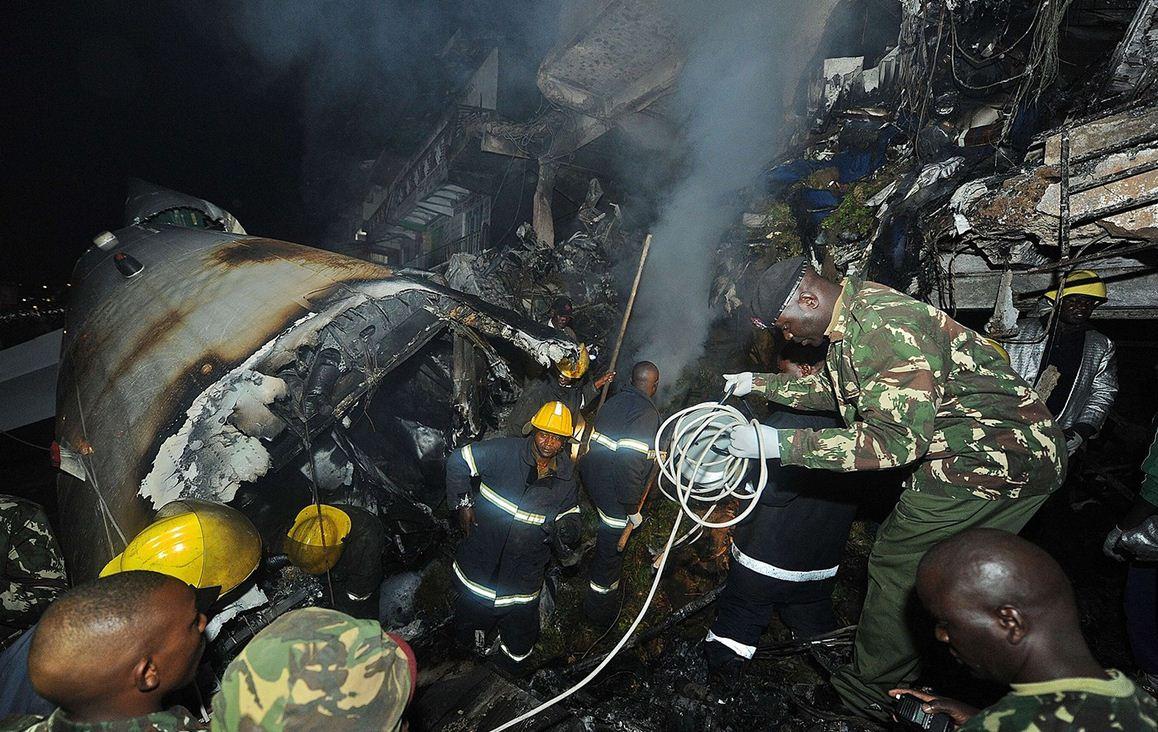 肯尼亚内罗毕货运飞机坠毁_预览_图集广场_成都在线