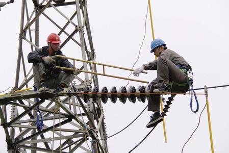 市供电公司强化措施迎峰度夏