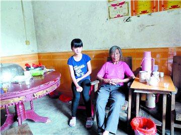 兴宁女孩自幼做家务干农活帮奶奶撑起一个家图片