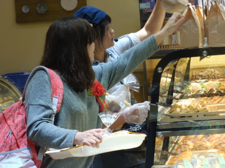 的促销活动.据了解鄱阳王中王蛋糕店主营各种糕点、生日蛋糕高清图片