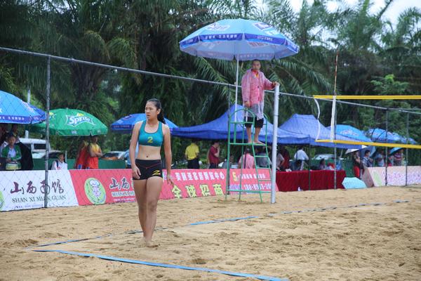 2014年海南省大,中学生沙滩排球锦赛冒雨开赛