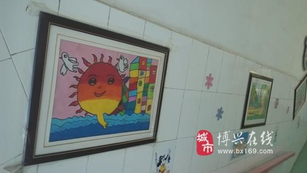 """博兴县实验幼儿园有了""""幼儿画展走廊"""""""
