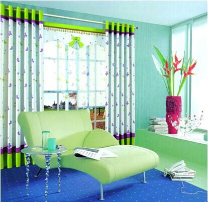 为房间,增添了情趣,让主人在绿色沙发躺椅上阅读,仿佛沉醉于花海之中