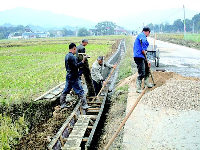 该县将沟渠疏浚作为水