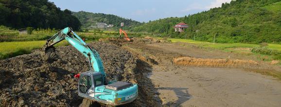 武冈机场连接线建设于前日顺利完成