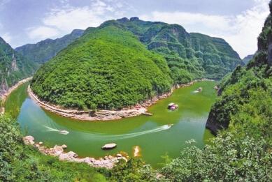 太原:晋祠,中国煤炭博物馆,太原动物园,太原碑林公园.
