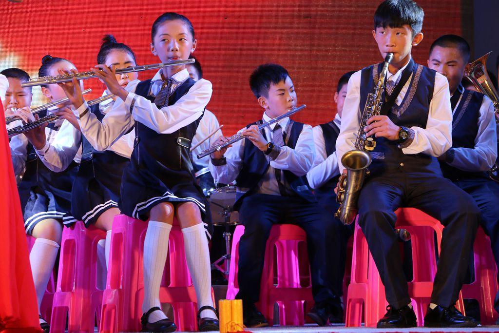 图集:2015年市实验小学六年级毕业典礼晚会