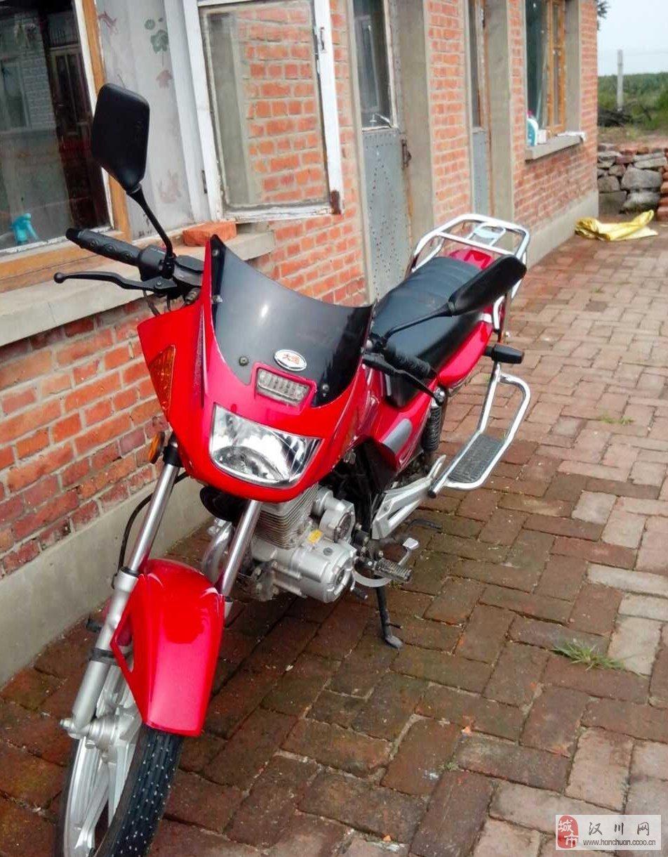 出售九成新大运125摩托车