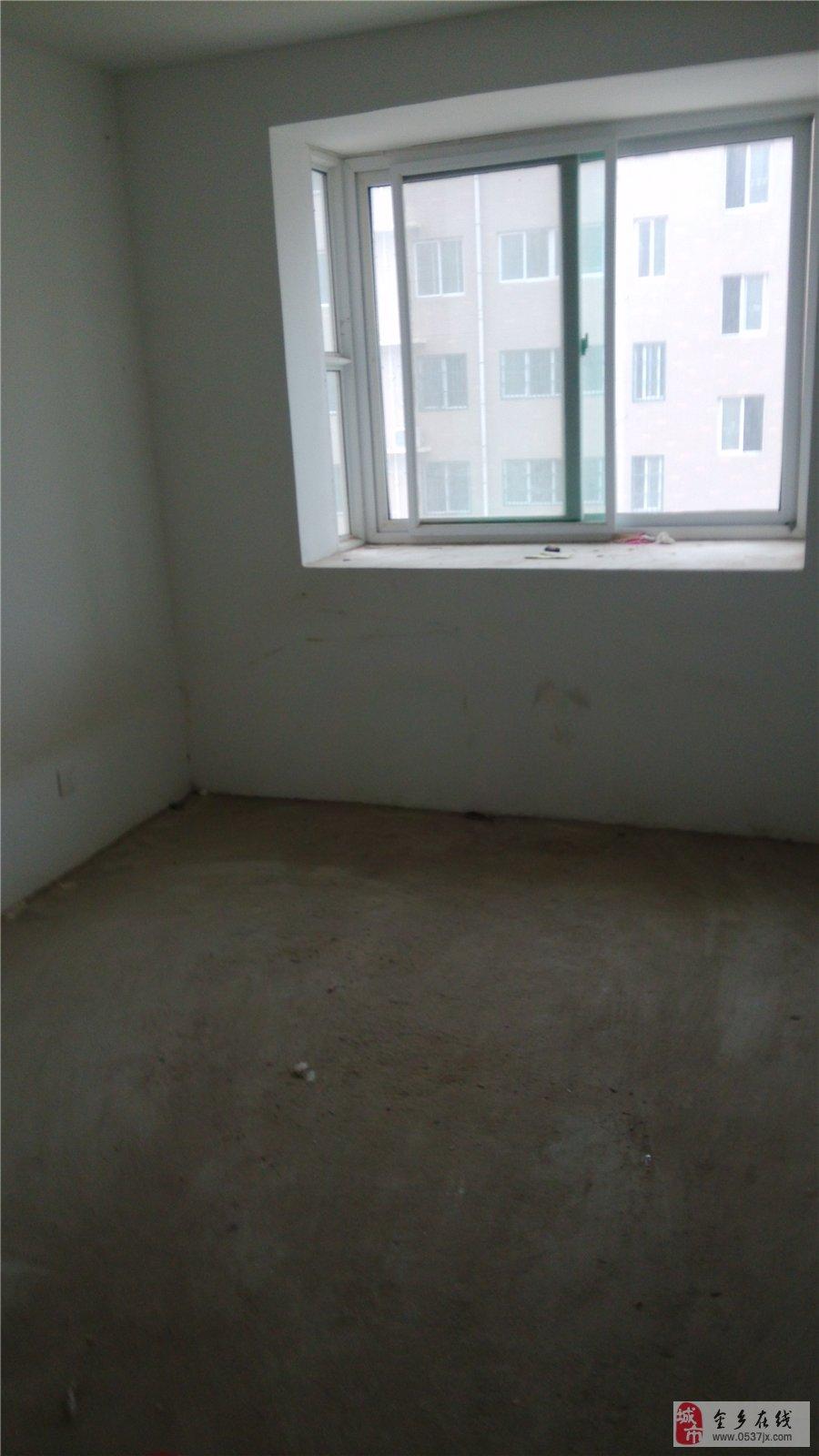 孙庄社区三楼毛坯房
