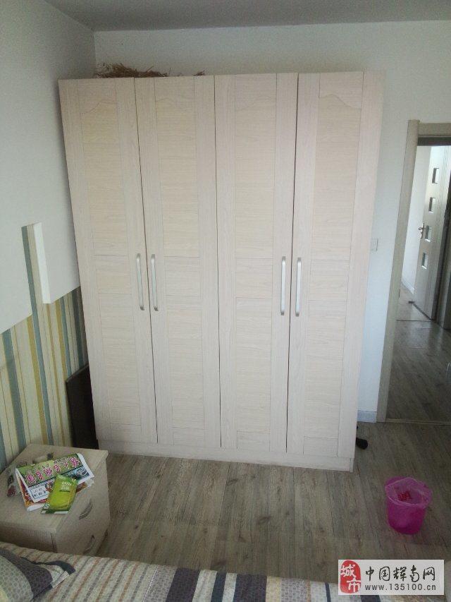 低价出售衣柜子