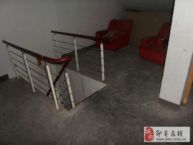 装修 木地板、家具 客厅高档旋转楼梯 阁楼简装 5卧室 80%