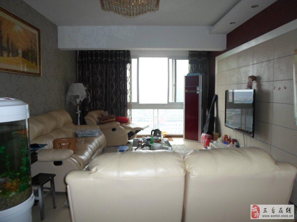 梓州国际17楼精装修三室两厅出售79
