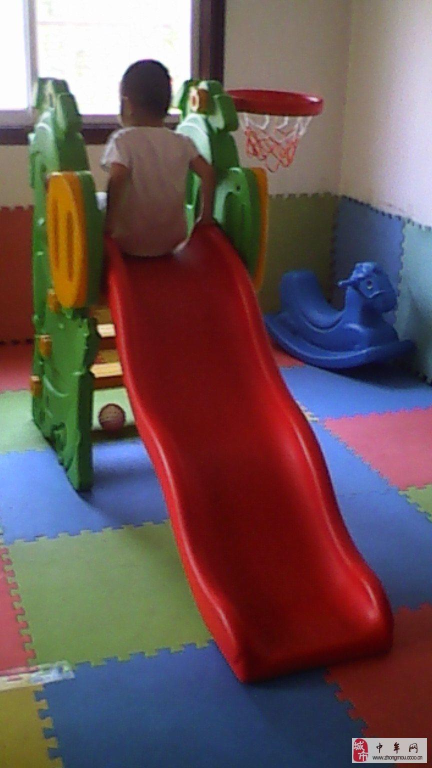 乐园招生 类  别:其他培训 详细描述 招收 1岁半-3岁半儿童 家庭式