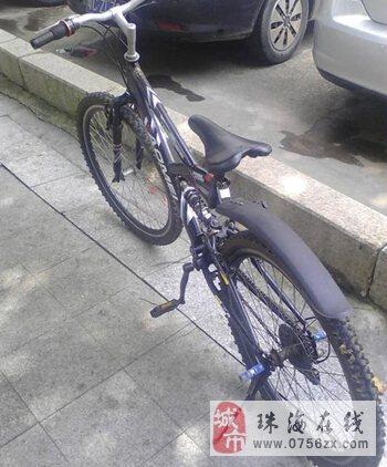 很好的一辆自行车,轻捷,容易踩。因换工作,所以急出
