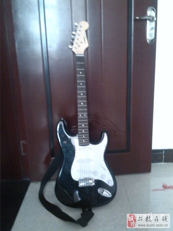 出售电吉他一把