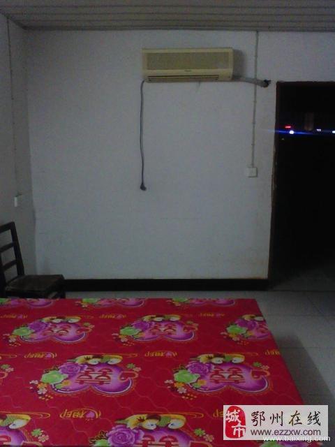 百子畈带空调,热水器和大露台的单间(独立厨卫)出租