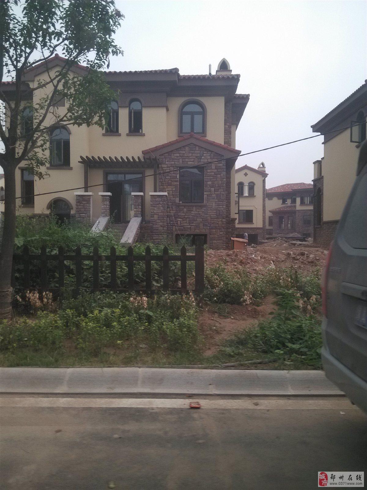 郑东四季温泉水养生别墅送前后大花园露台菜地