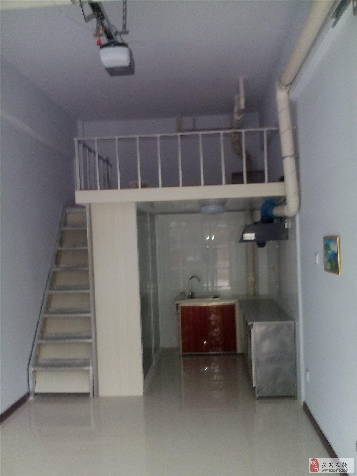 绅士爱心家园1期车库改住宅已装修21平米