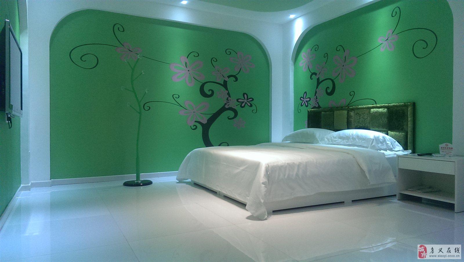 酒店房间由业内知名设计师浓情创意,融合前沿品味,专注浪漫体验,33款