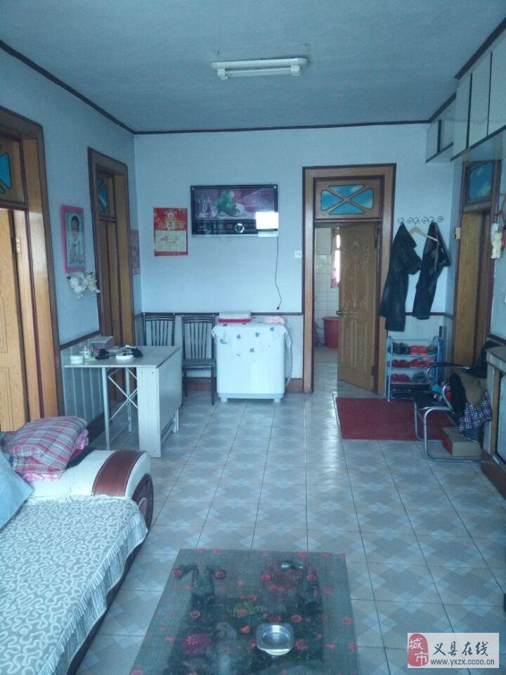 房屋面积88平,老式装修,基本生活设施齐全,拎包即可入住,楼房采光好