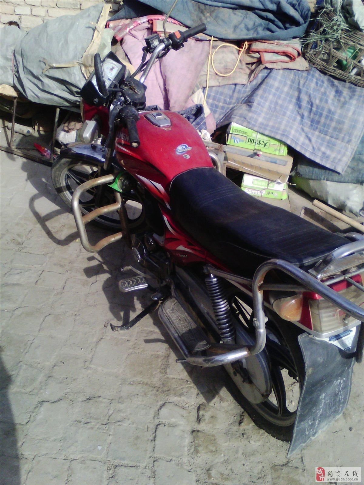 个人出售建设125摩托车