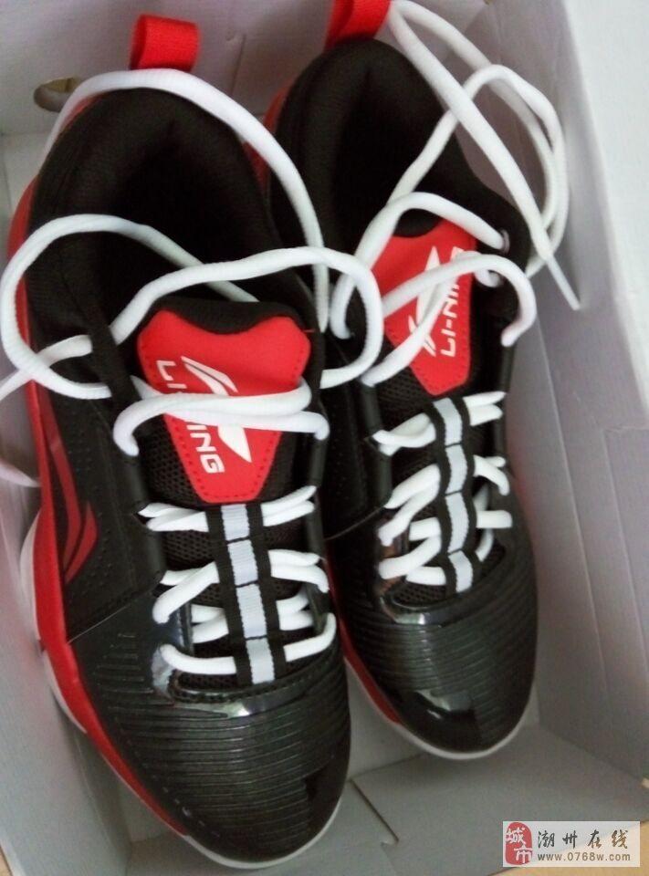 出售李宁篮球鞋压水泥地神器_潮州在线