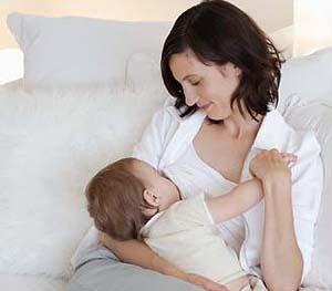 蚕丝被  母乳_新生儿的护理知识宝宝蚕丝被新生儿的护理蚕