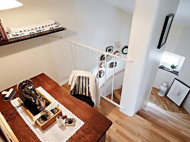 69平米雅致复式公寓 白色与原木结合