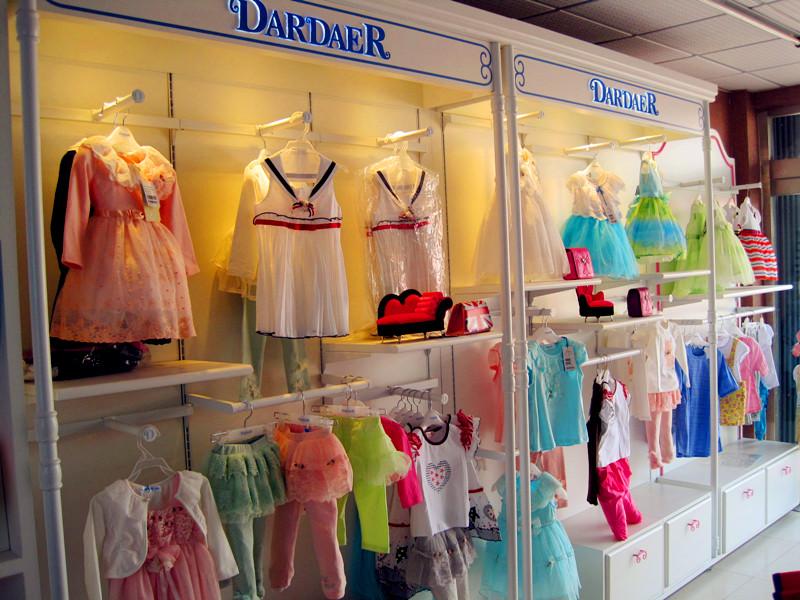 塔哒儿童装专卖店