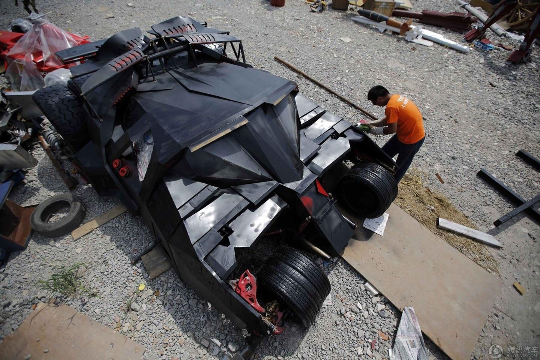 """上海牛人打造""""蝙蝠战车"""""""