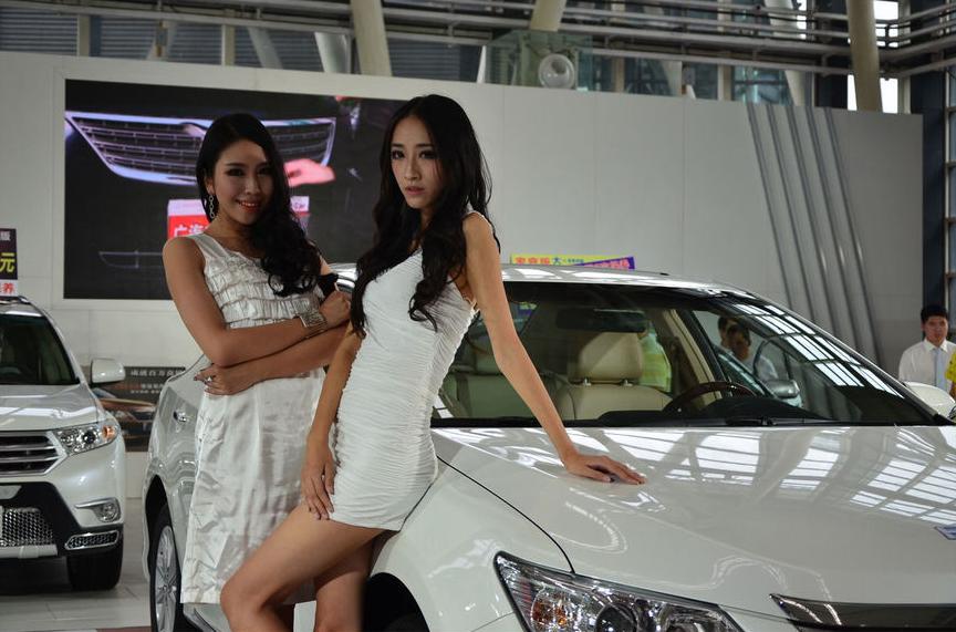 2013年秋第三届包头国际车展模特