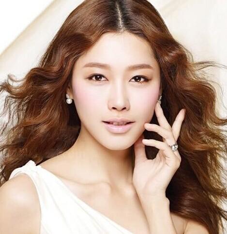 韩式新娘发型 打造唯美新娘图片